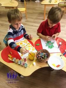 Рисуем символы праздника: ручку, мыло и капельку